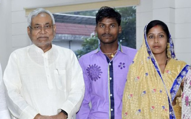 Bihar CM Nitish Kumar with the couple