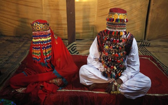 Pakistan senate: Increasing legal marriageable age of girls
