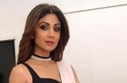 Shilpa Shetty in this peach saree is the reason for rising temperatures