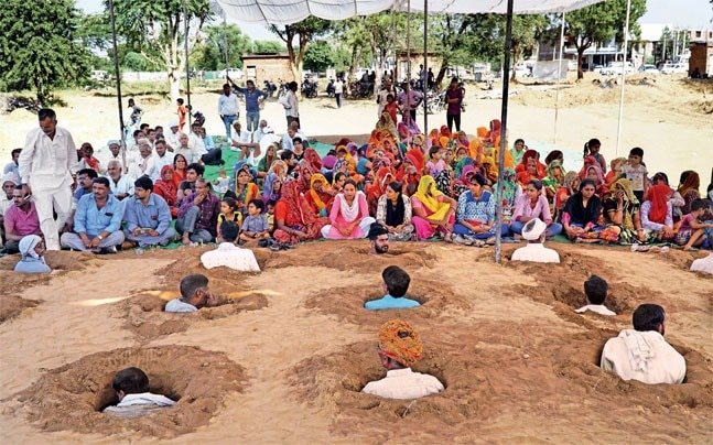 zameen samadhi satyagraha
