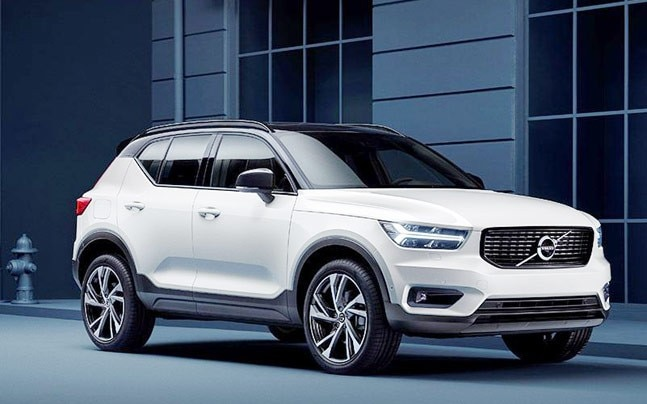The new XC40 looks similar to to its older sibling, the XC90. It gets a high bonnet with muscular character lines.