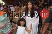 PICS: Aishwarya, daughter Aaradhya and mother Vrinda visit Siddhivinayak temple