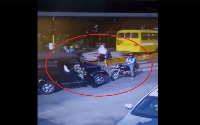 Biker in Bhopal stands fearlessly against arrogant SUV driver