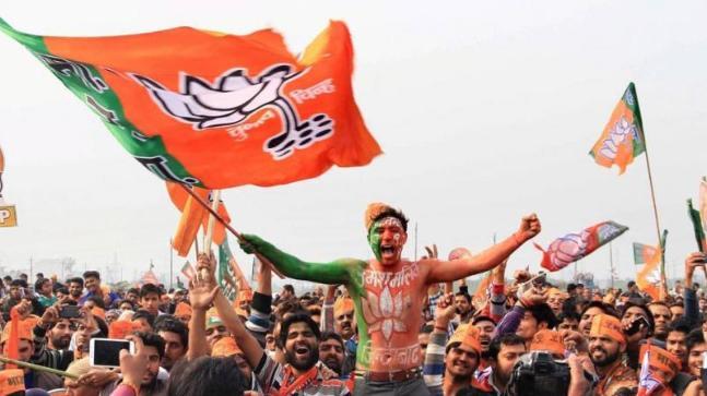 BJP, TMC supporters clash in Kolkata