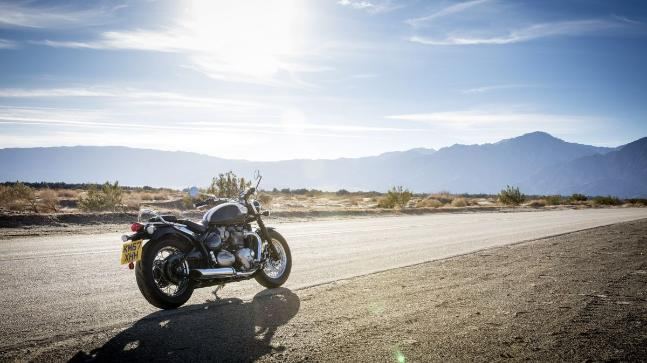 Triumph is getting ready to launch a new variant based on the Bonneville platform called the Speedmaster. We ride it in sunny California.