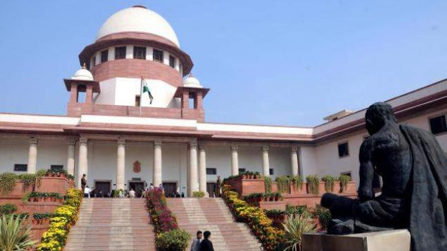 Loya death serious issue, says SC, transfers all cases to itself