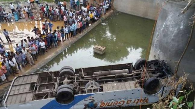 Crowded bus falls in canal in Bengal's Murshidabad, many feared
