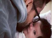 SEE PIC: Inaaya Naumi getting a kiss from dad Kunal Kemmu is all kinds of adorable