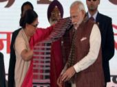 Modi-Raje bonhomie as oil refinery work launched at Barmer