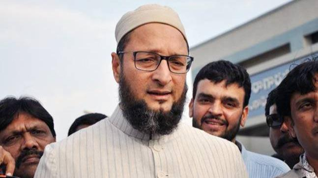 Man hurls shoe at Asaduddin Owaisi during public meeting