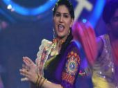 Bigg Boss 11 contestant Sapna Chaudhary's show gets disrupted after crowd went berserk