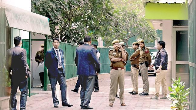 Police at Arvind Kejriwal's residence. Photo: Rana Pandey