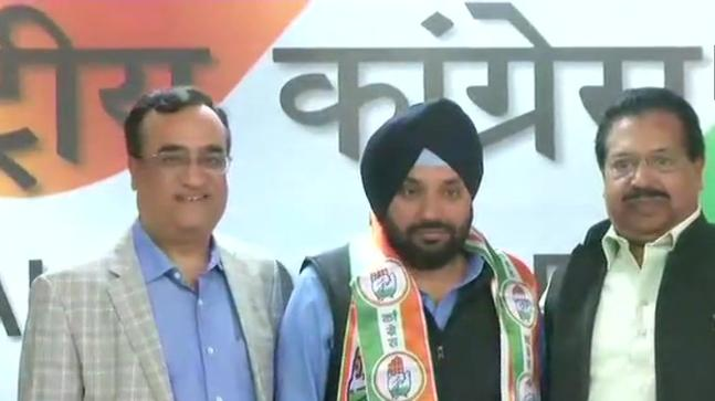Arvinder Singh Lovely back in Congress fold ahead of bypoll
