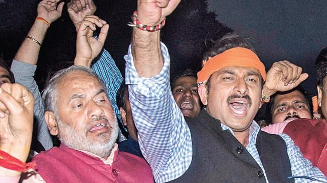 Delhi BJP president Manoj Tiwari met BJP chief Amit Shah on Thursday and apprised him of the happenings. Photo: PTI