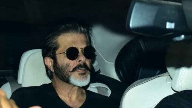 Anil Kapoor reaches airport