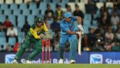MS Dhoni yelling at Manish Pandey showed how much he cares