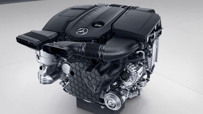 US investigators found functions in the engine software, called Bit 15 which assisted Mercedes Benz's diesel engines to pass US emission tests.