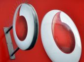 Vodafone takes on Airtel with 30GB data, unlimited calls, free roaming and more