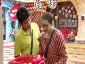 Bigg Boss 11: Shilpa Shinde and Sabyasachi Sathpathy are bonding over cooking; see pics