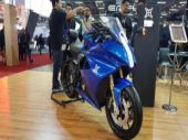 The Emflux One is a fully faired motorcycle which gets the standard bells and whistles as a standard superbike.