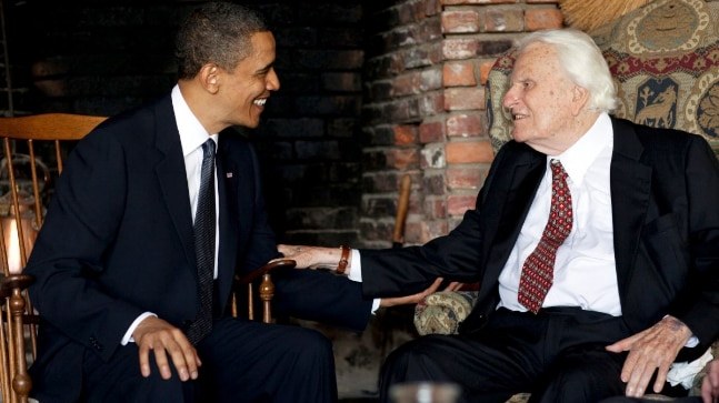 Former US President Barack Obama with the Rev. Billy Graham (Reuters)