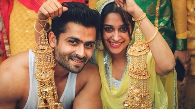 Dipika aka Simar heads for Sasural as her wedding ceremonies begin!