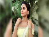 Belan Wali Bahu actress Krystle D'Souza takes cue from Rekha's act