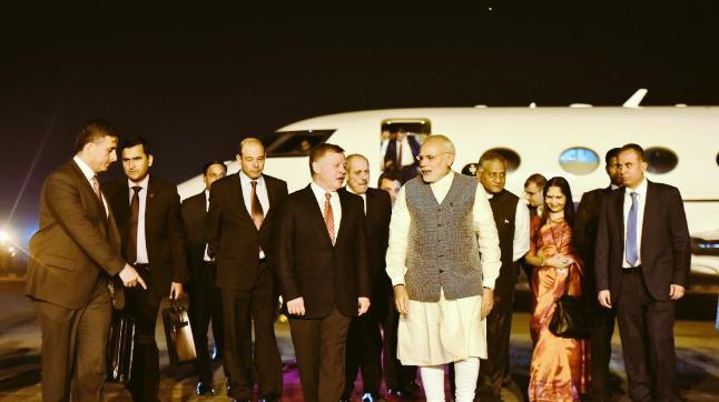 PM Narendra Modi received Jordan's King Abdullah at the airport. (Photo: Twitter/@MEAIndia)