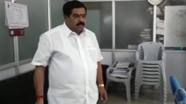 Bengaluru: Congress leader Narayanaswamy booked for threatening to set ablaze municipal office