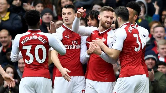 Arsenal players celebrate (Reuters Photo)