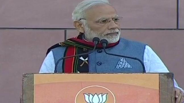 PM Modi stops his victory speech at BJP headquarters for azaan