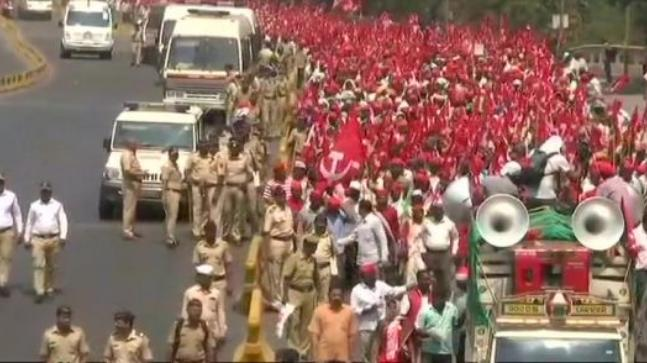 Thane Protest: All India Kisan Sabha reaches Thane