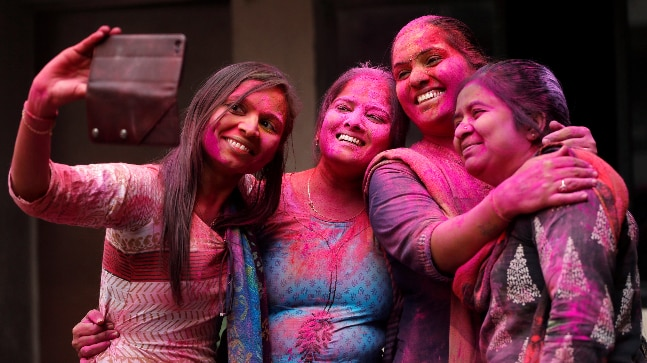 Happy Holi: 7 ways women can feel safe and secure while playing with colours this festival