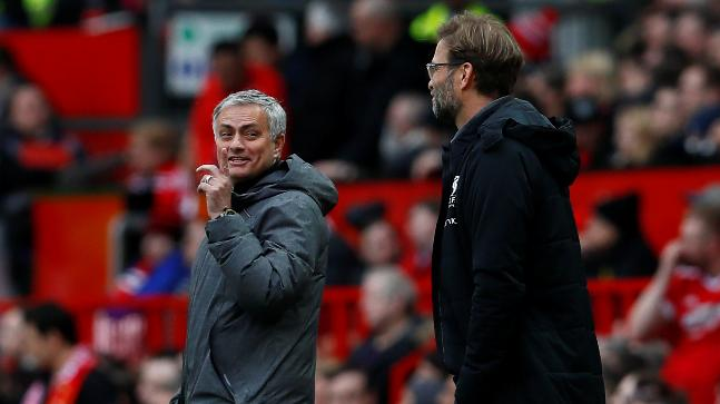Mourinho shrugs off criticism from 'worst manager' De Boer