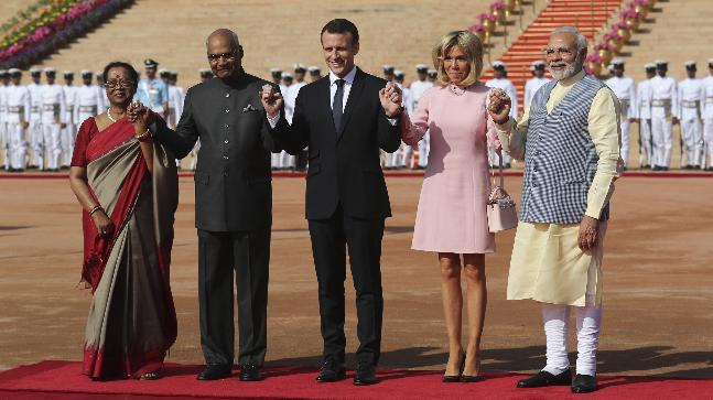 French President Macron with his wife Brigitte Macron, President Kovind, Savita Kovind and PM Modi at Rashtrapati Bhawan. Photo: AP