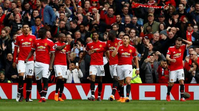 Rashford double helps United beat Liverpool 2-1 in EPL
