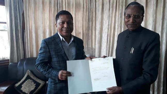Mukul Sangma submits resignation to Governor Ganga Prasad in Shillong