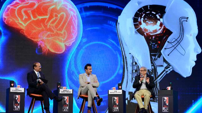 Dr Murali Doraiswamy and Kris Gopalakrishnan in conversation with Raj Chengappa at India Today Conclave 2018.