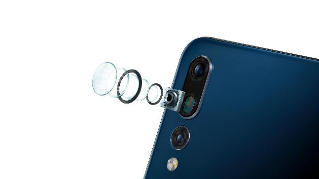 Huawei P20 Pro has 3 cameras but poor camera app means it may not