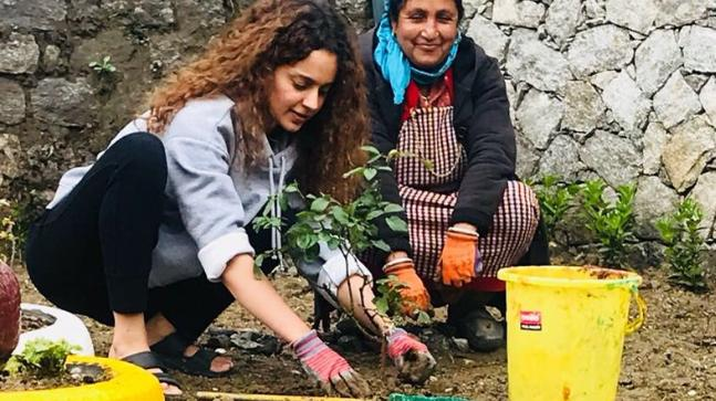 Bollywood 'Queen' Kangana Ranaut plants trees on her 31st birthday