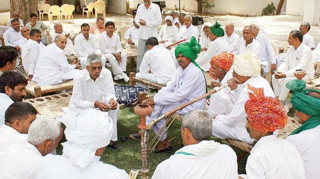 Khaps are caste-based organisations in villages which act as a quasi-judicial body & pronounce harsh punishments based on age-old customs & traditions.