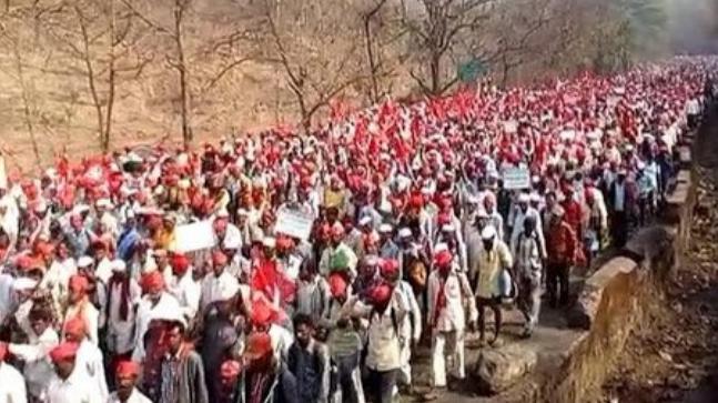 Maharashtra: 30000 farmers march toward Mumbai to protest outside Vidhan Sabha