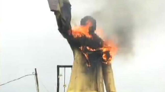 Statue of Rajiv Gandhi set on fire