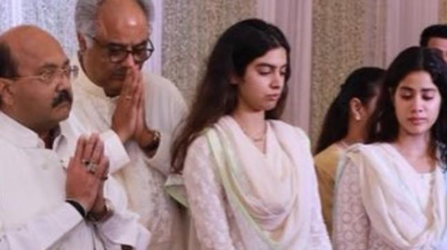 Boney Kapoor with Janhvi and Khushi at the condolence meeting
