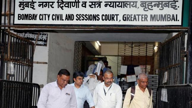Vipul Ambani (2nd left)