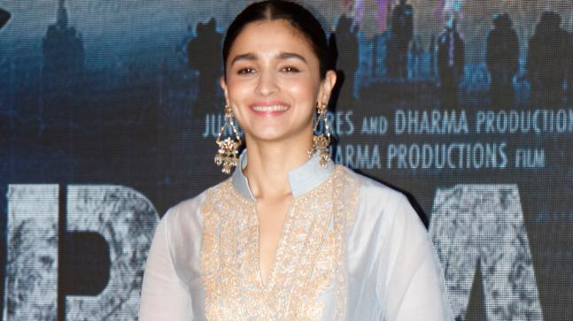 Alia Bhatt colors the town 'blue' for Raazi promotions