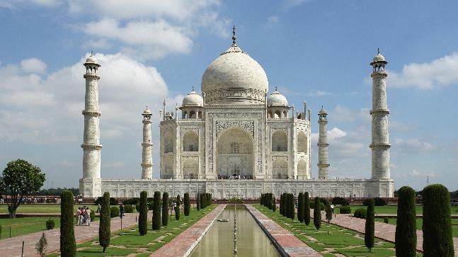 Supreme Court expresses concern over change of colour of Taj Mahal