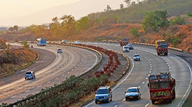 Delhi-Mumbai travel time to reduce by half - Mail Today News