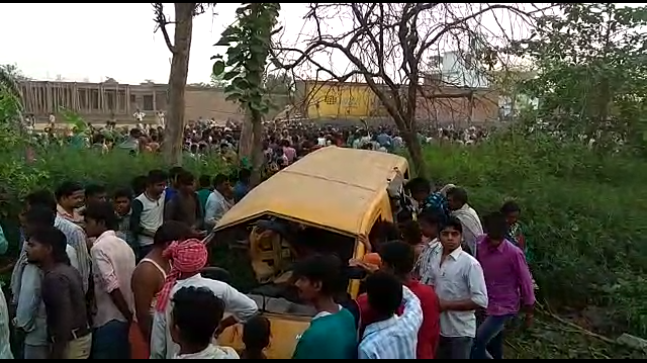 13 children, driver die in bus, train collision in India