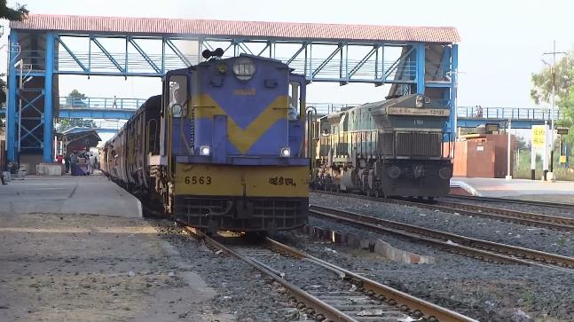 Train runs for over 15 km sans engine, 7 suspended